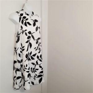 BB Dakota leave pattern sleeveless dress Size Sm.